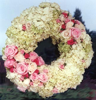 Flowers bring elegance and romance to ceremonies