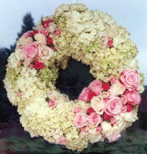 Wreath with roses and hydrangea